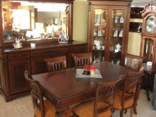 Buffet Dinning Room